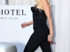 christina-aguilera-cleavage-candids-in-hollywood-03