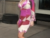 christina-aguilera-clevage-candids-in-new-york-10