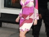 christina-aguilera-clevage-candids-in-new-york-15