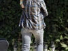 christina-aguilera-candids-at-pumpkin-patch-05