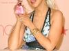 christina-aguilera-inspire-perfume-launch-at-macys-glendale-galleria-08