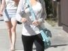 christina-aguilera-leggings-candids-in-beverly-hills-02
