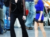 christina-aguilera-leggy-candids-on-the-burlesque-movie-set-08