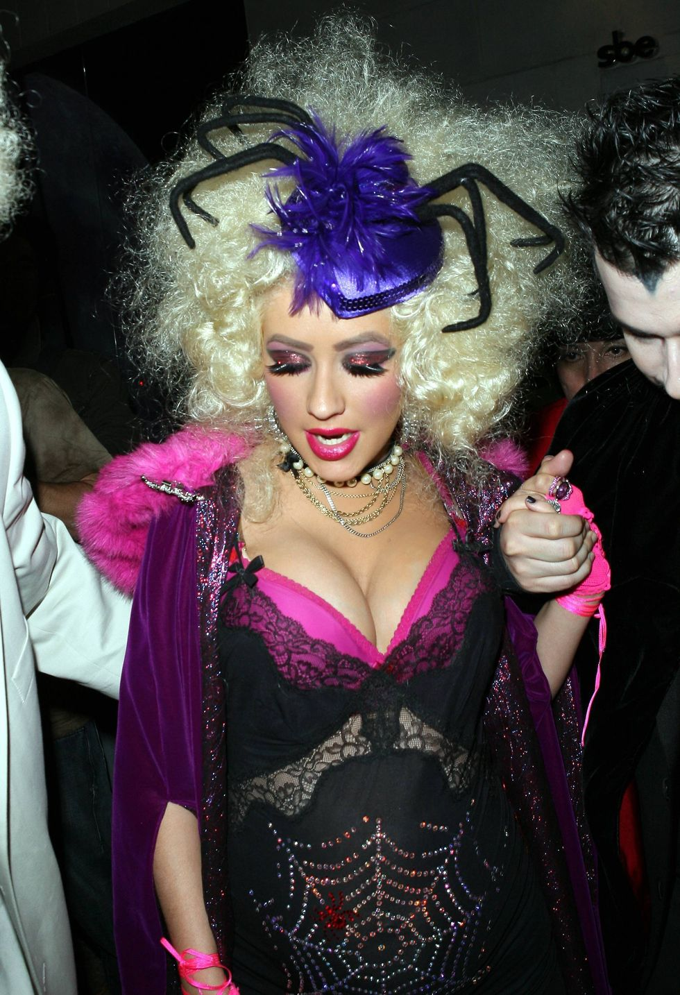 christina-aguilera-shows-cleavage-at-club-hyde-at-halloween-party-01