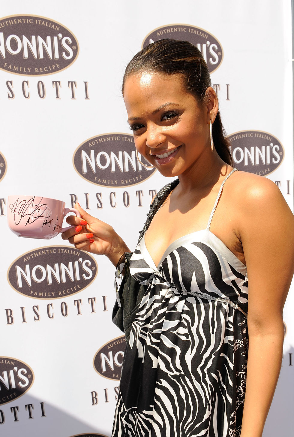 christina-milian-kari-feinstein-mtv-movie-awards-style-lounge-day-1-01