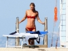 claire-danes-bikini-candids-in-ischia-03