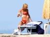 claire-danes-bikini-candids-in-ischia-09