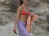jennifer-aniston-and-courtney-cox-bikini-candids-at-the-beach-in-cabo-san-lucas-mq-04