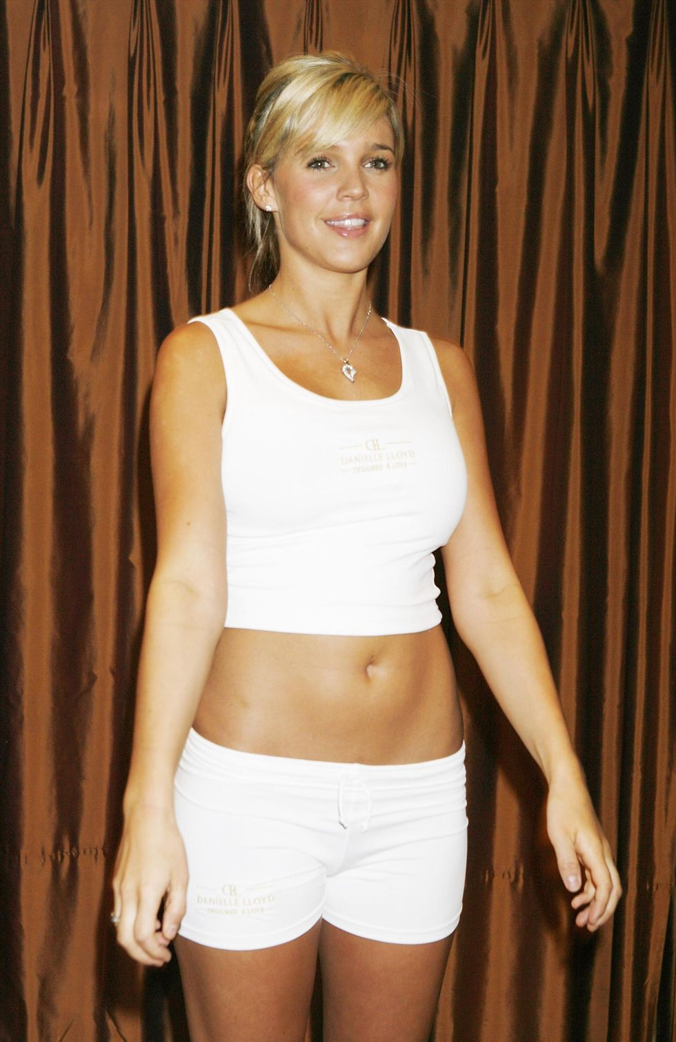 danielle-lloyd-launches-her-fitness-dvd-01