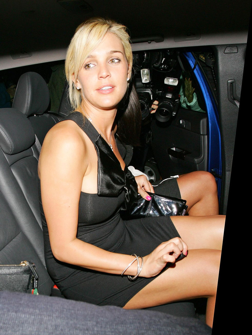 danielle-lloyd-partying-at-the-embassy-club-in-london-01