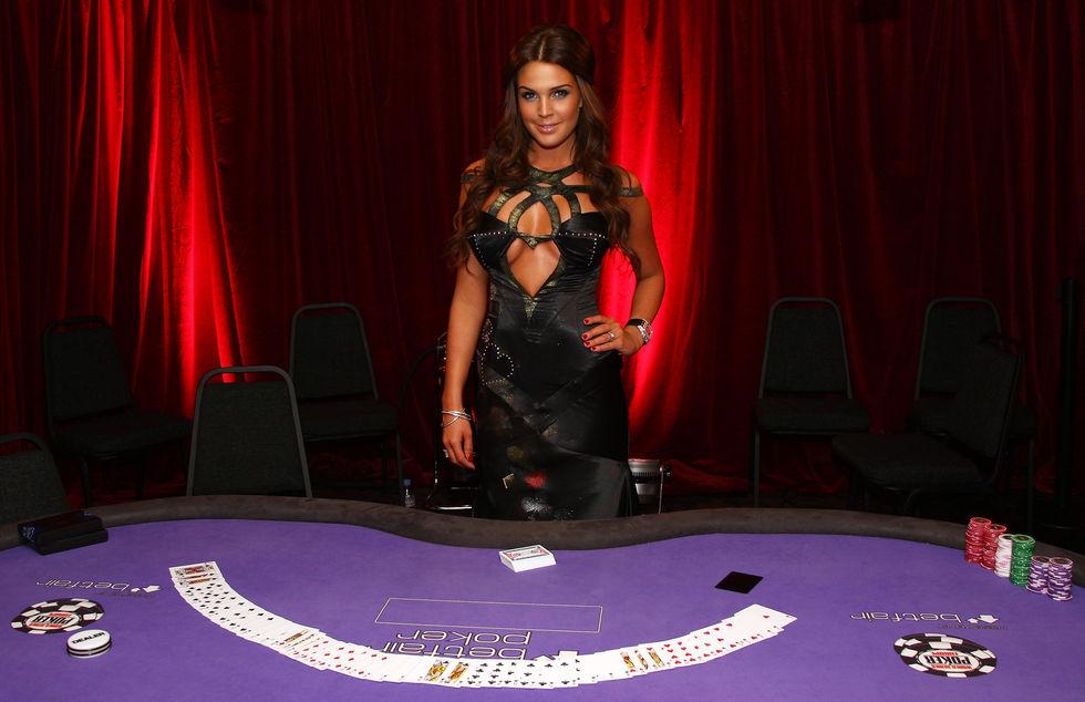 danielle-lloyd-world-series-of-poker-in-london-01
