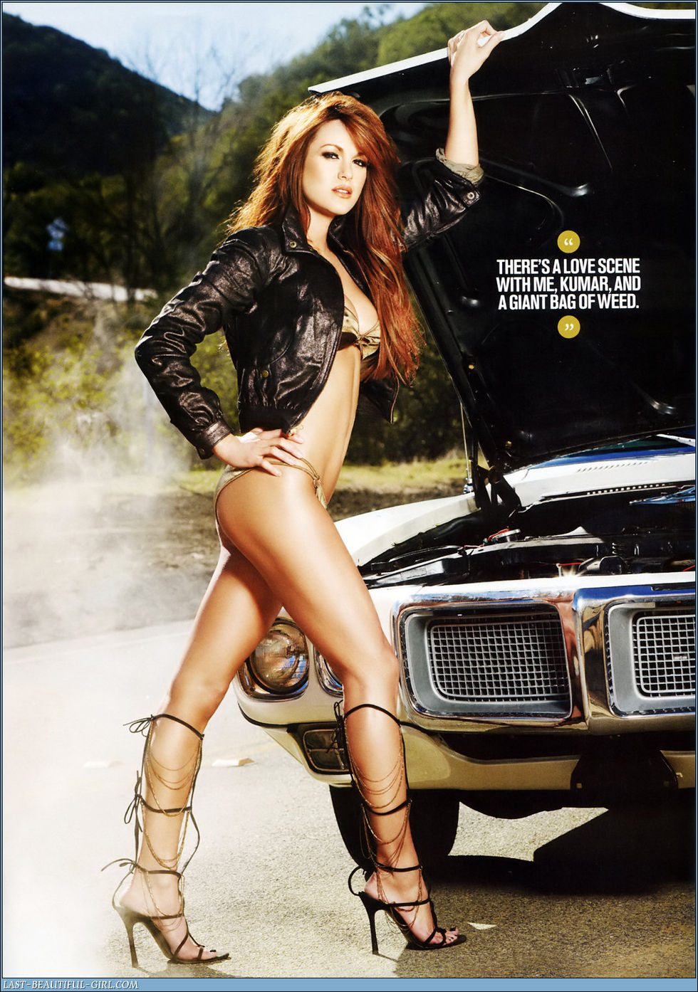 danneel-harris-maxim-magazine-march-2008-01