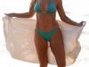 denise-richards-blue-bikini-candids-on-the-beach-in-maui-15