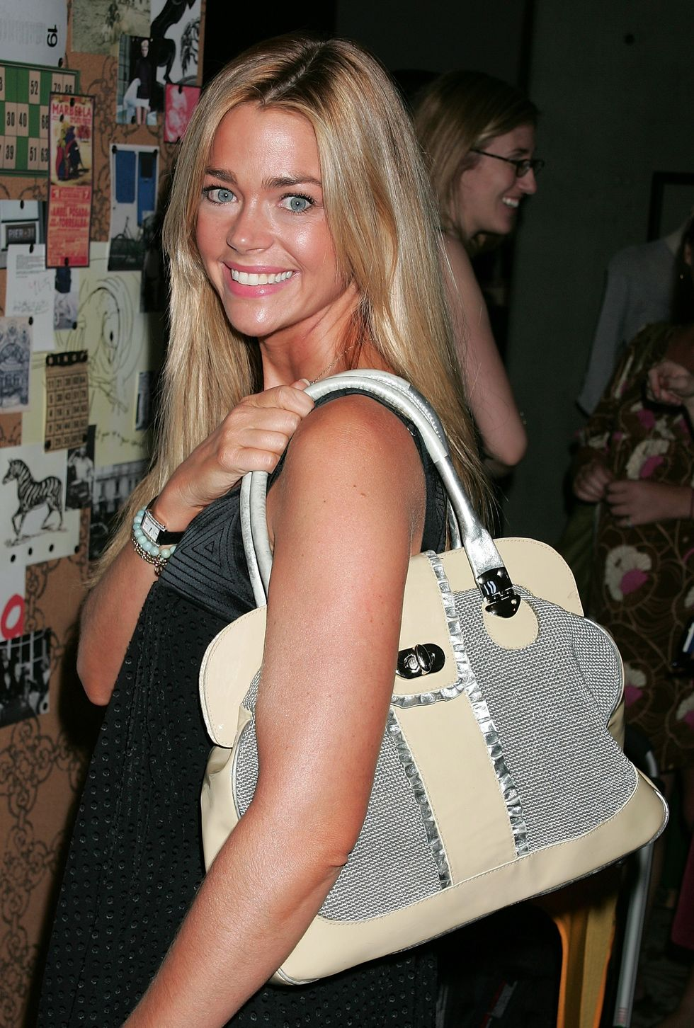 denise-richards-clothes-off-our-back-foundation-charity-event-01