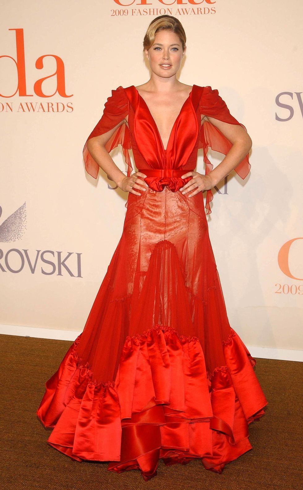 doutzen-kroes-2009-cfda-fashion-awards-in-new-york-01