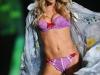 doutzen-kroes-2009-victorias-secret-fashion-show-06