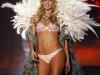 doutzen-kroes-2009-victorias-secret-fashion-show-07