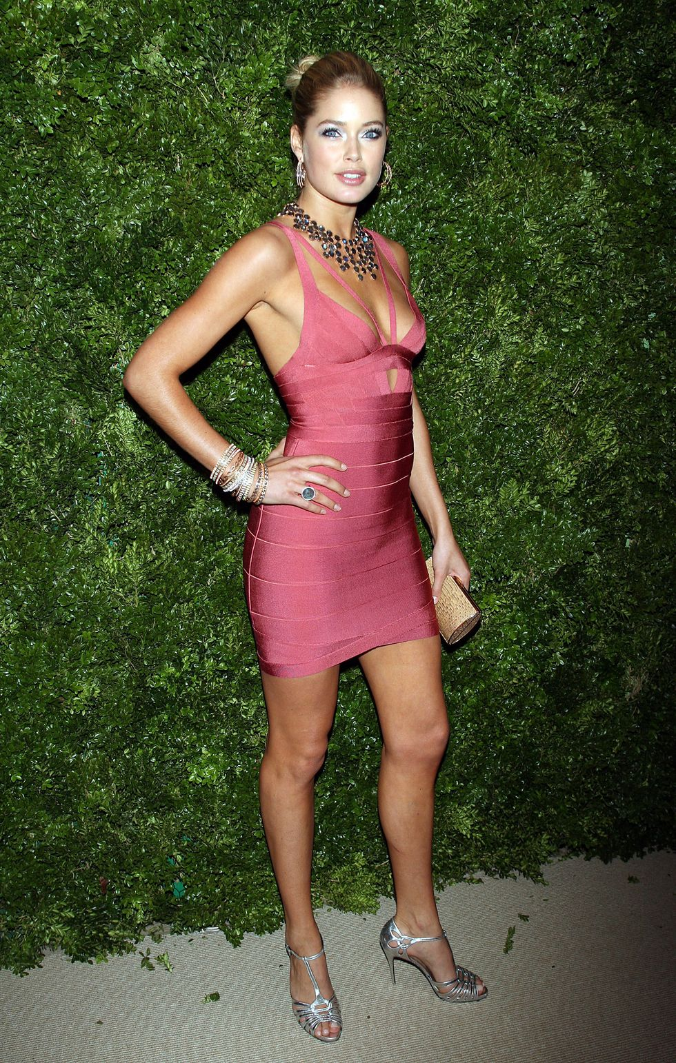 doutzen-kroes-5th-anniversary-of-the-cfdavogue-fashion-fund-in-new-york-01