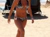 elisha-cuthbert-bikini-candids-at-the-beach-in-hawaii-10