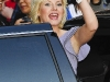 elisha-cuthbert-visits-the-late-show-with-david-letterman-in-new-york-05