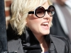 elisha-cuthbert-visits-the-late-show-with-david-letterman-in-new-york-17
