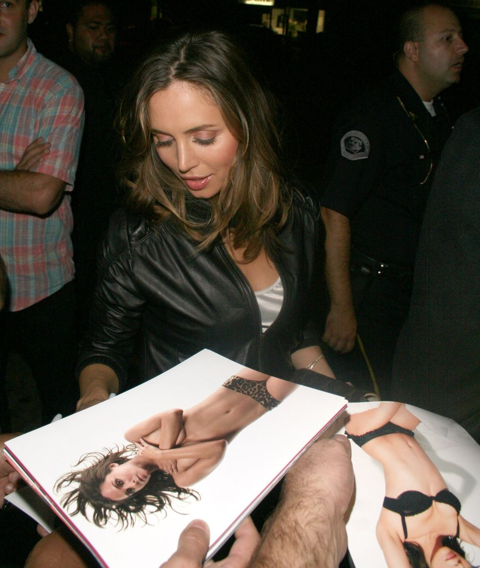 eliza-dushku-at-mi-6-club-in-west-hollywood-01