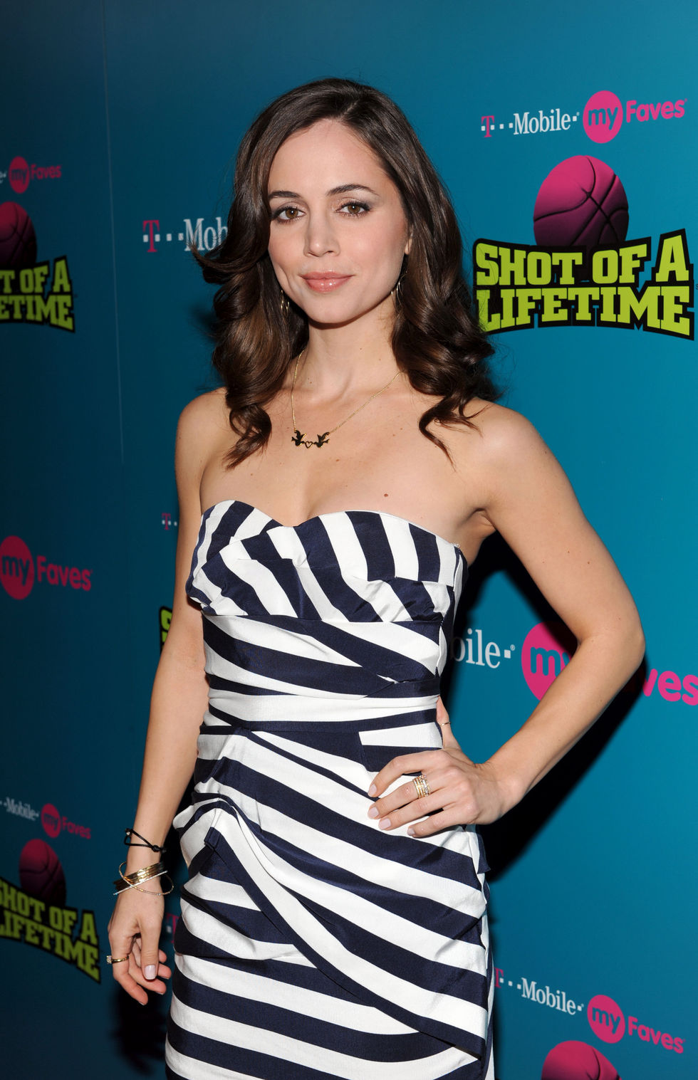 eliza-dushku-myfaves-shot-of-a-lifetime-launch-01
