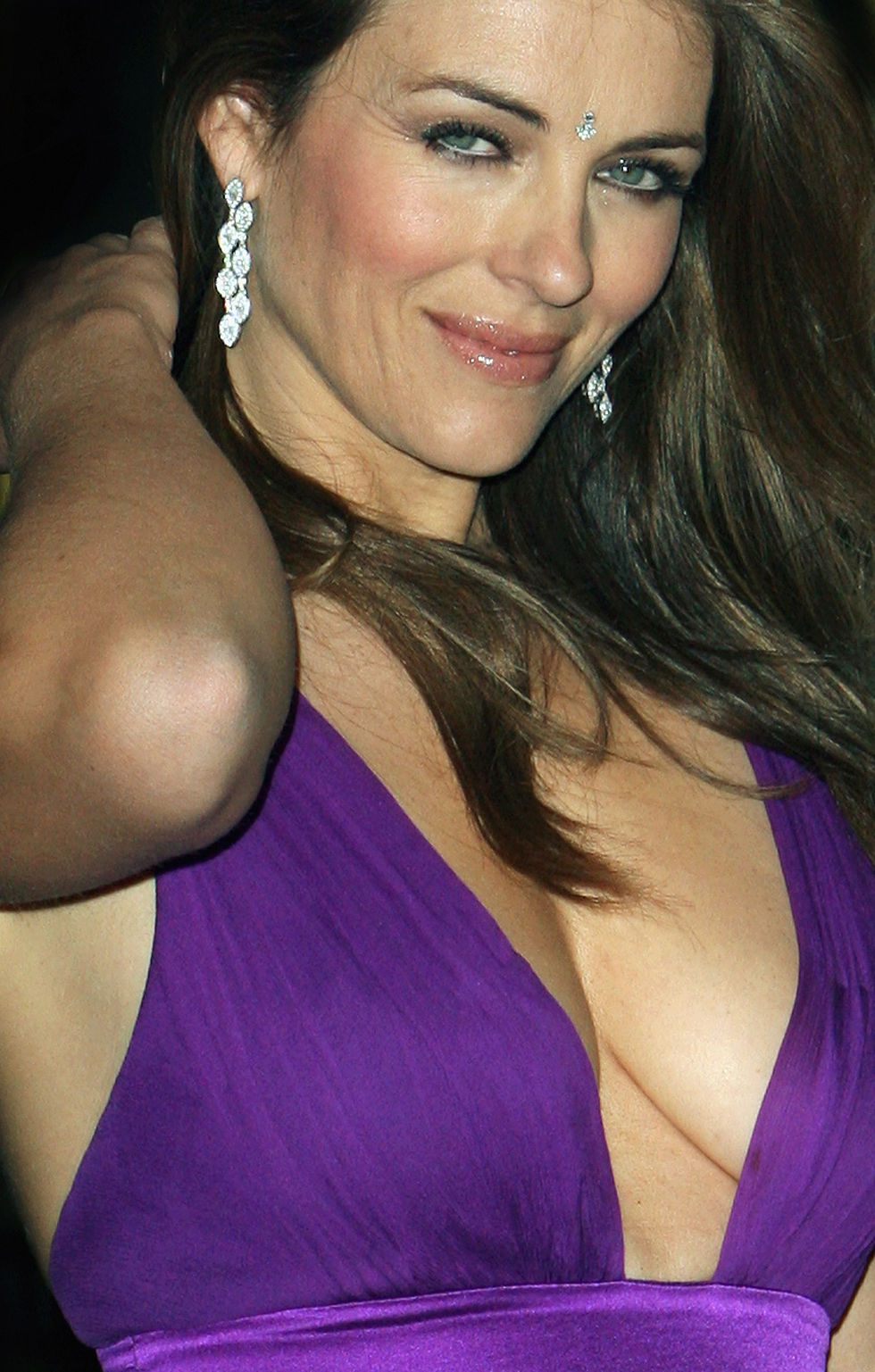 elizabeth-hurley-asian-women-of-achievement-awards-in-london-01