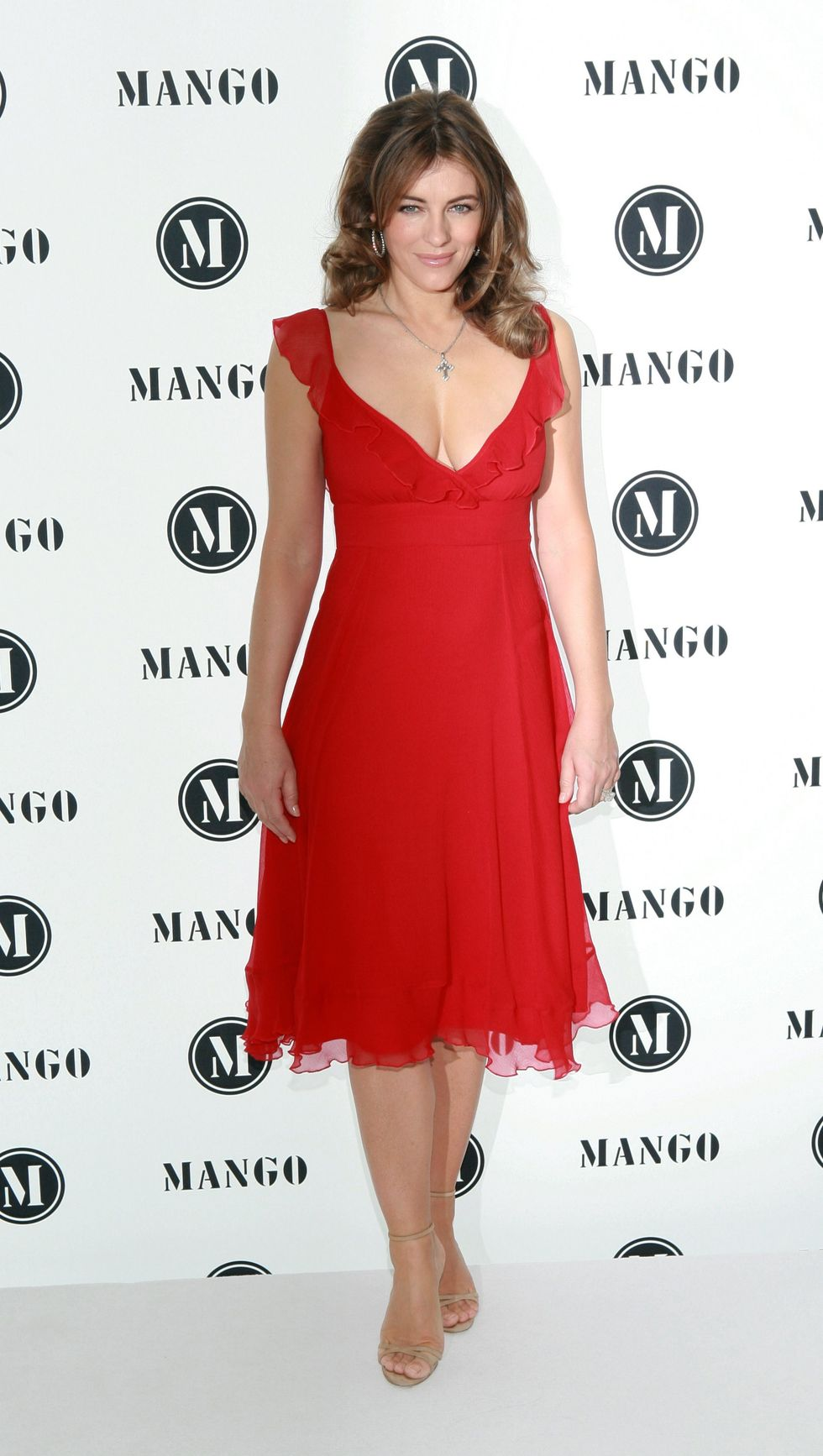 elizabeth-hurley-launches-elizabeth-hurley-for-mng-collection-in-munich-01