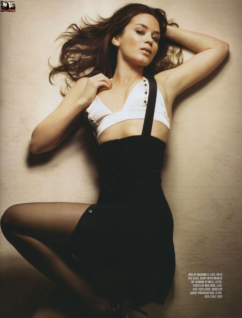 emily-blunt-gq-magazine-february-2008-01