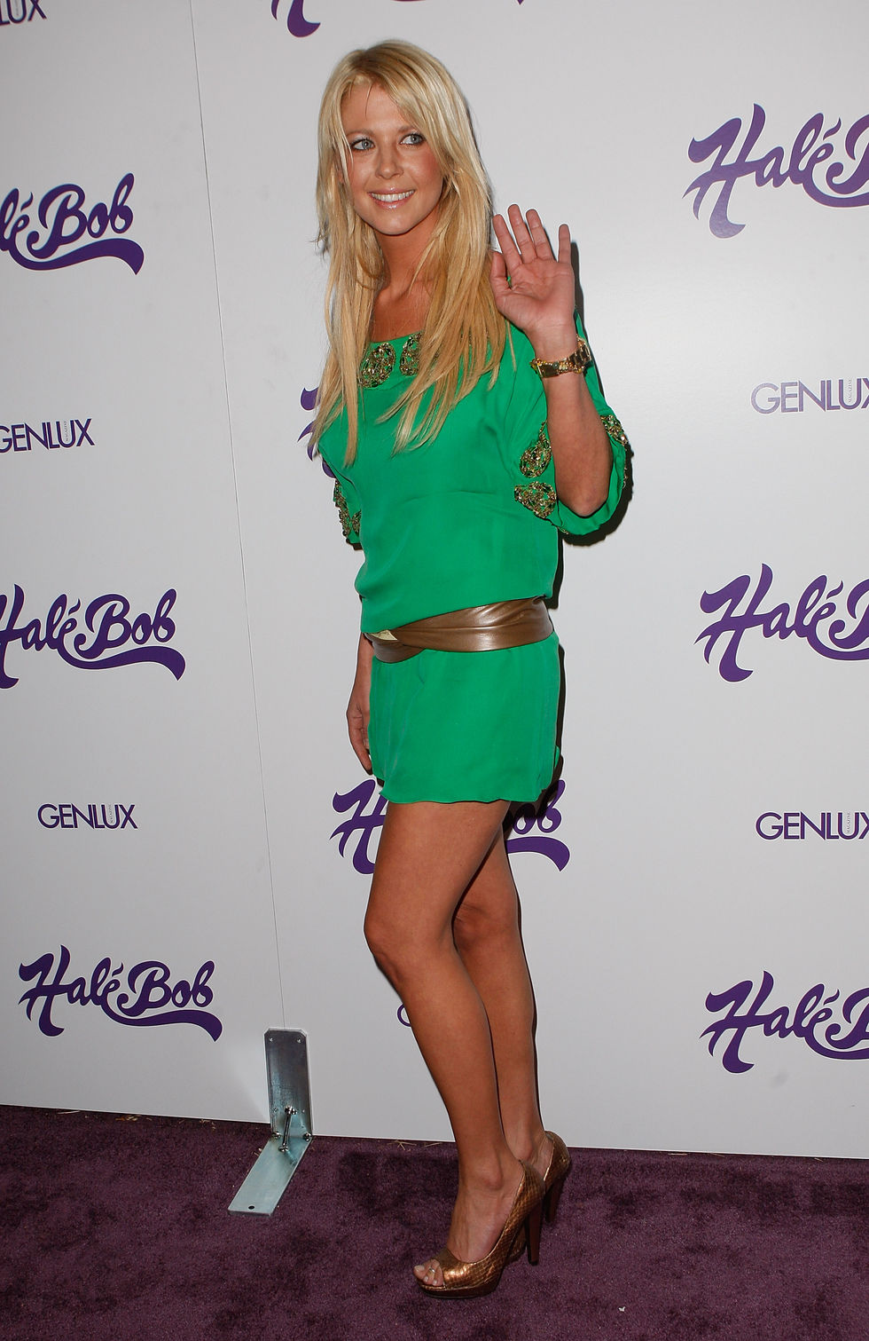 emmanuelle-chriqui-and-tara-reid-hale-bob-summer-of-love-party-in-beverly-hills-01
