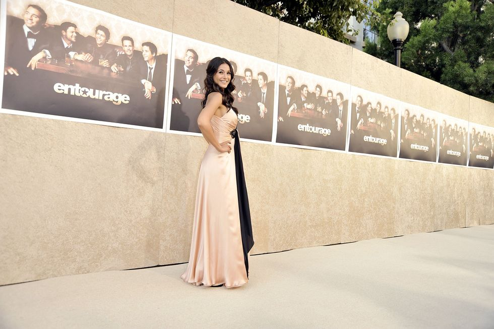 emmanuelle-chriqui-entourage-season-6-premiere-in-los-angeles-01