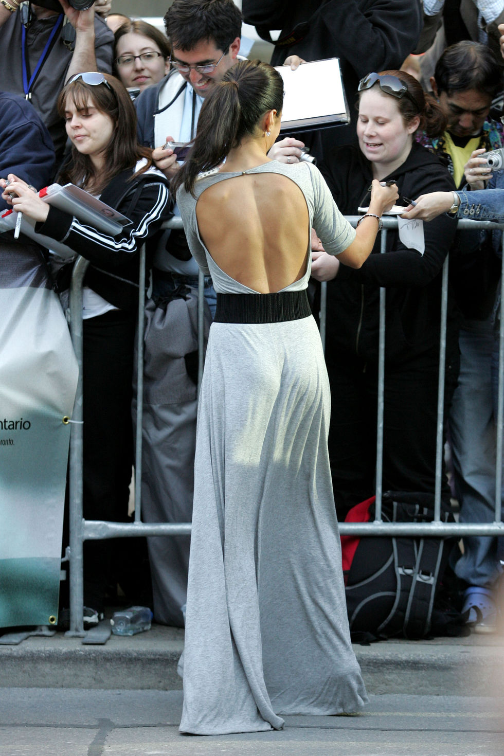 emmanuelle-chriqui-the-lucky-ones-premiere-in-toronto-01