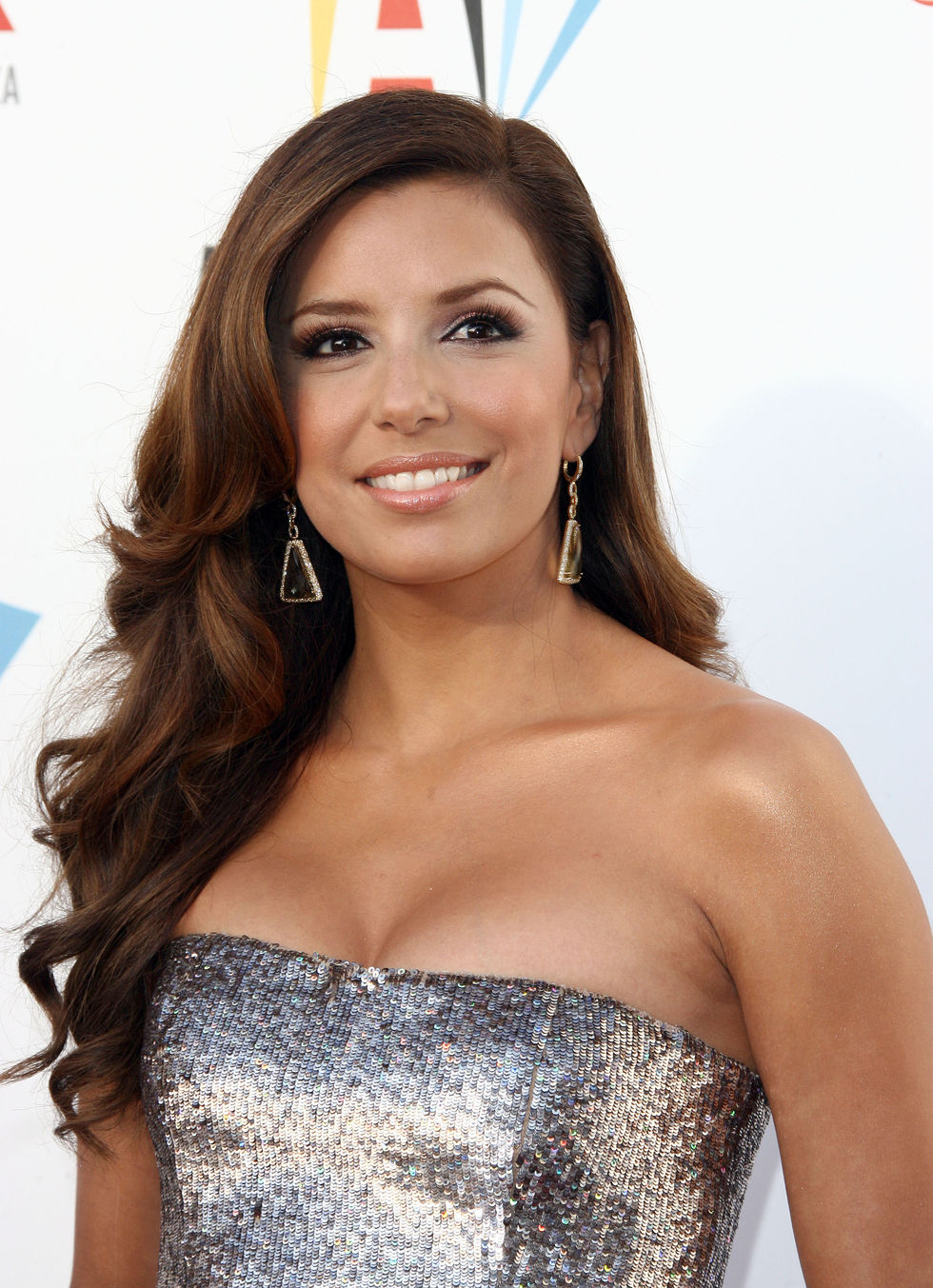 eva-longoria-2009-alma-awards-in-los-angeles-01