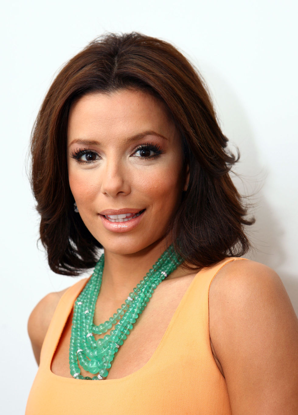 eva-longoria-at-cw11-morning-show-01