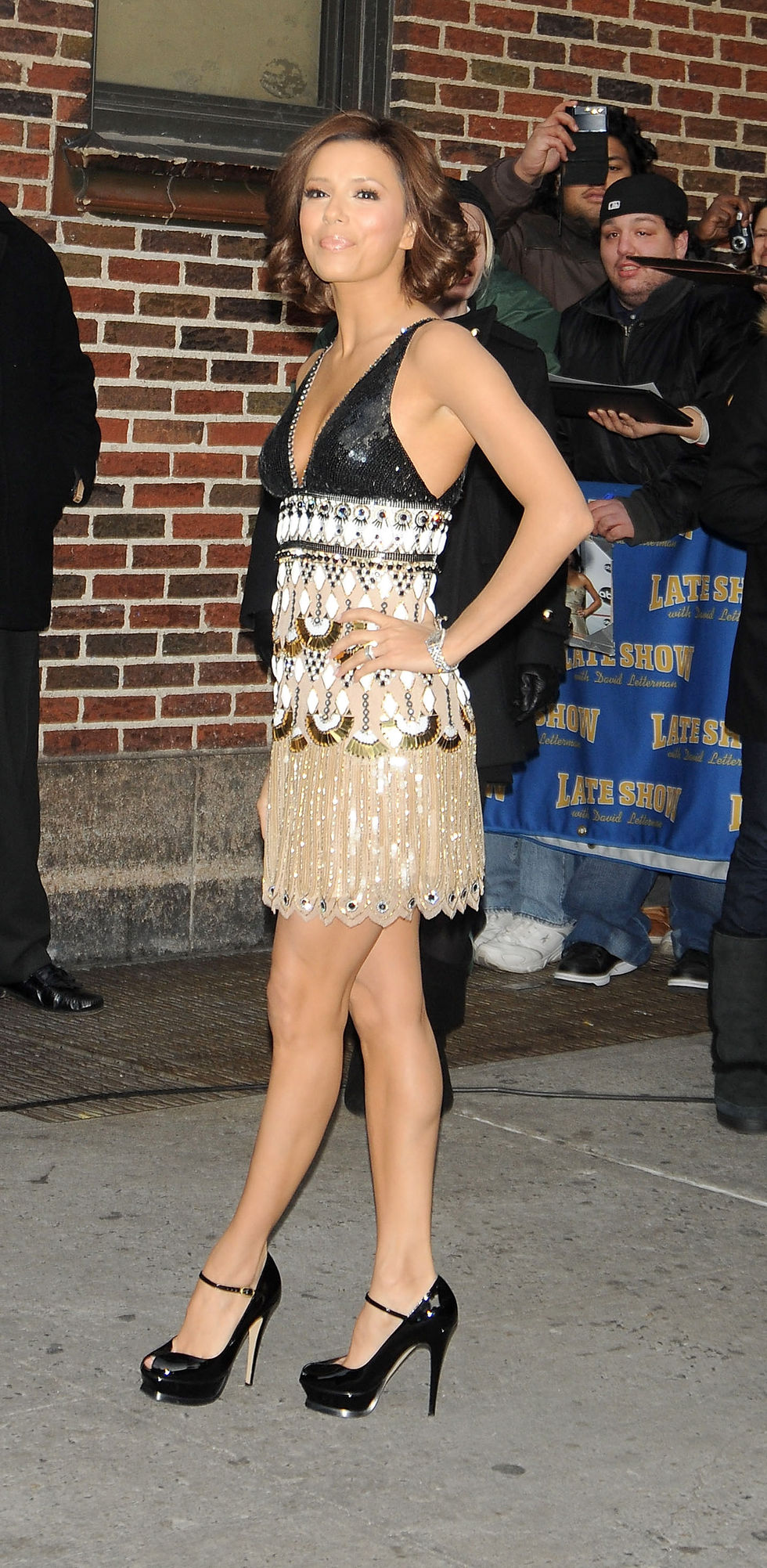 eva-longoria-at-the-the-late-show-with-david-letterman-in-new-york-city-01