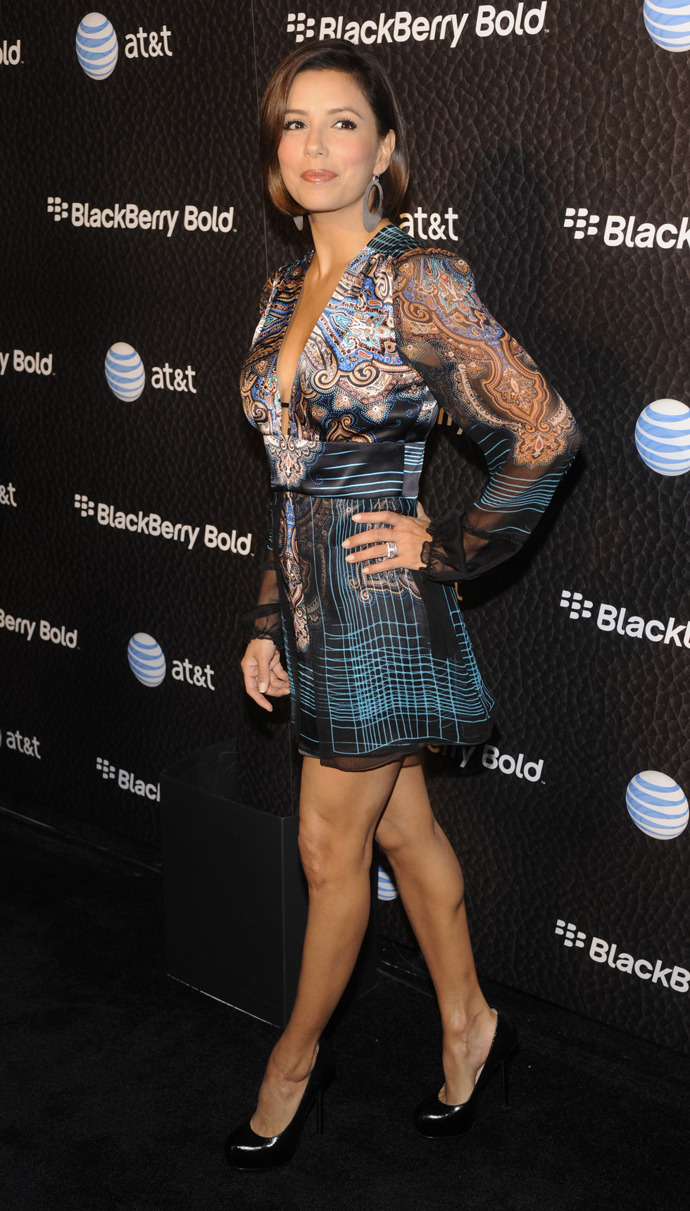eva-longoria-blackberry-bold-launch-party-in-beverly-hills-01