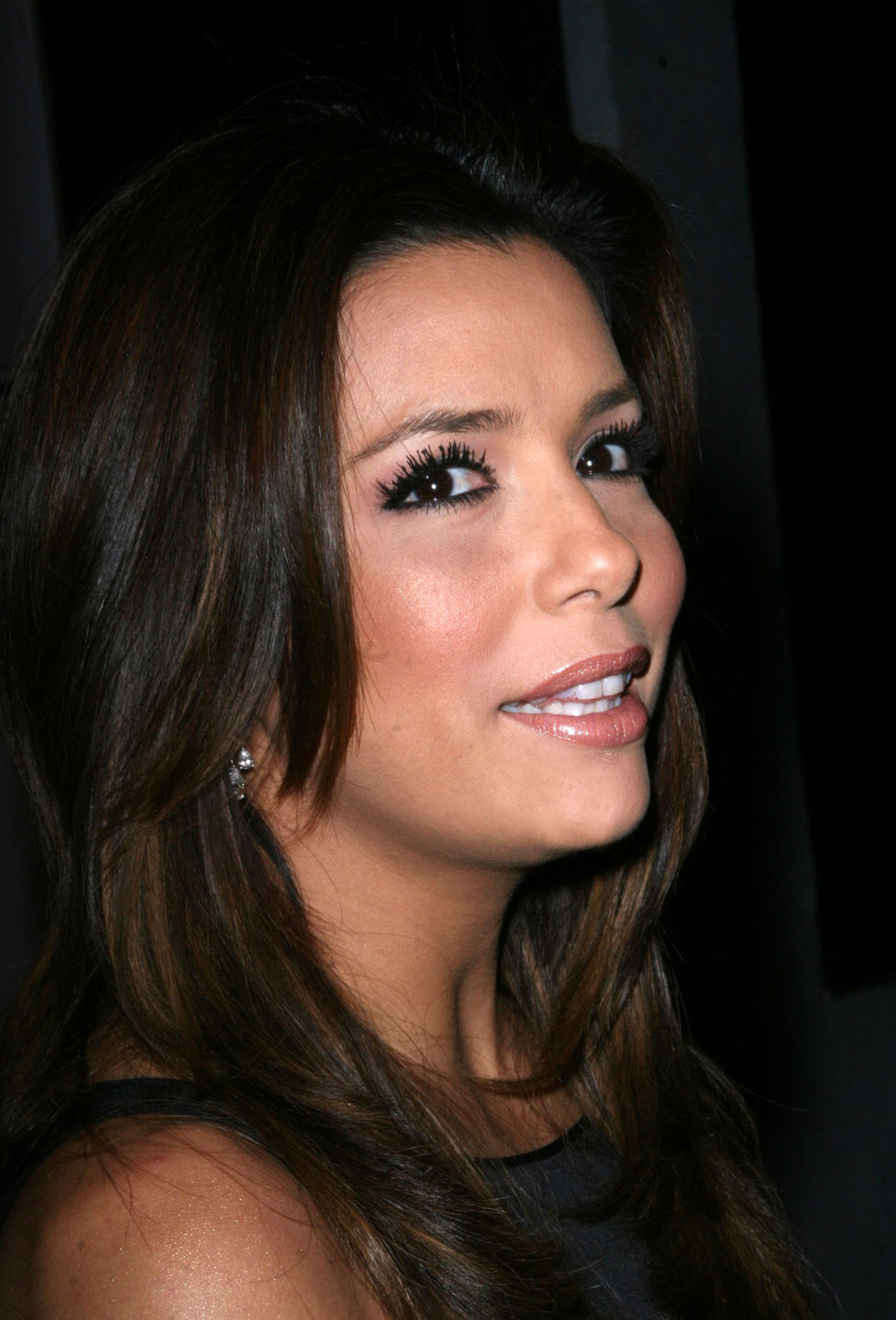 eva-longoria-hosting-2009-beso-new-years-eve-party-01
