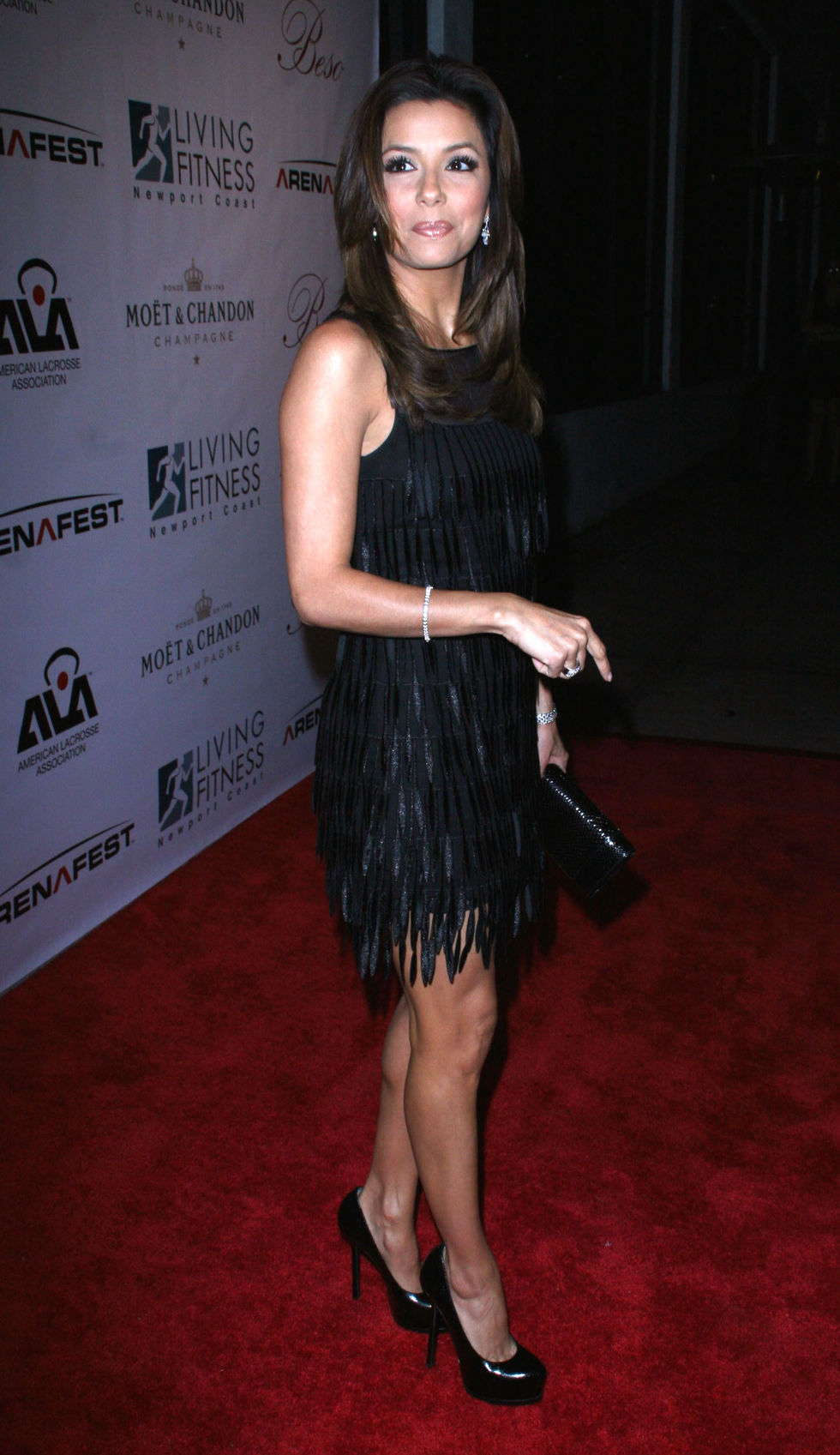 eva-longoria-hosting-2009-beso-new-years-eve-party-06
