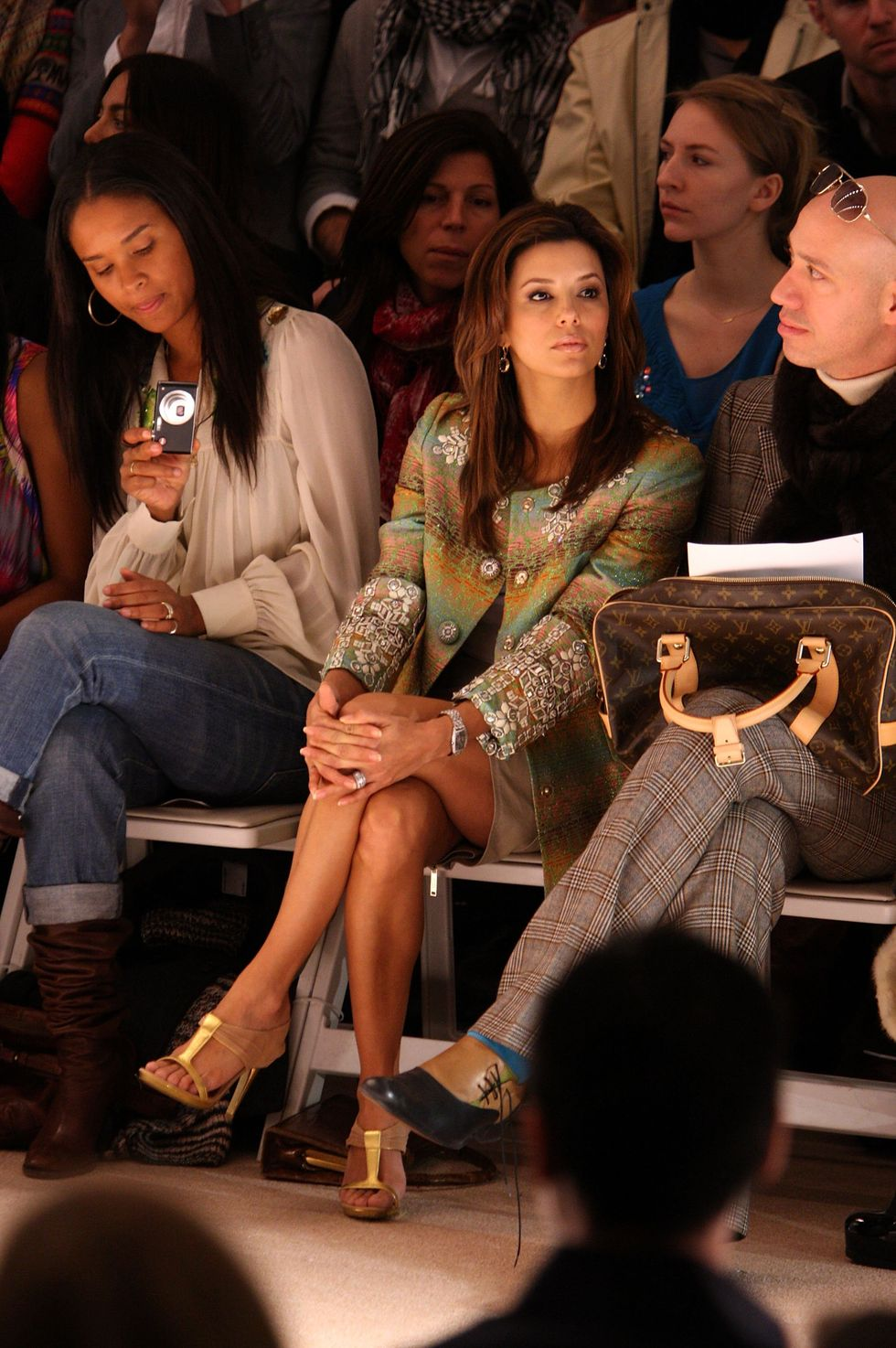 eva-longoria-matthew-williamson-fall-2009-fashion-show-01