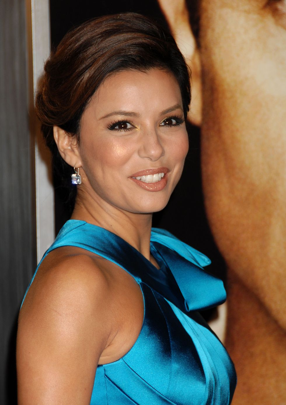 eva-longoria-the-curious-case-of-benjamin-button-premiere-in-los-angeles-01
