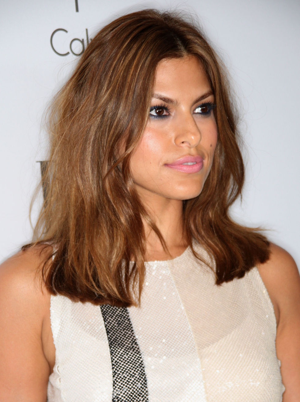 eva-mendes-15th-annual-women-in-hollywood-tribute-in-beverly-hills-01