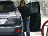 eva-mendes-at-a-gas-station-in-los-feliz-01
