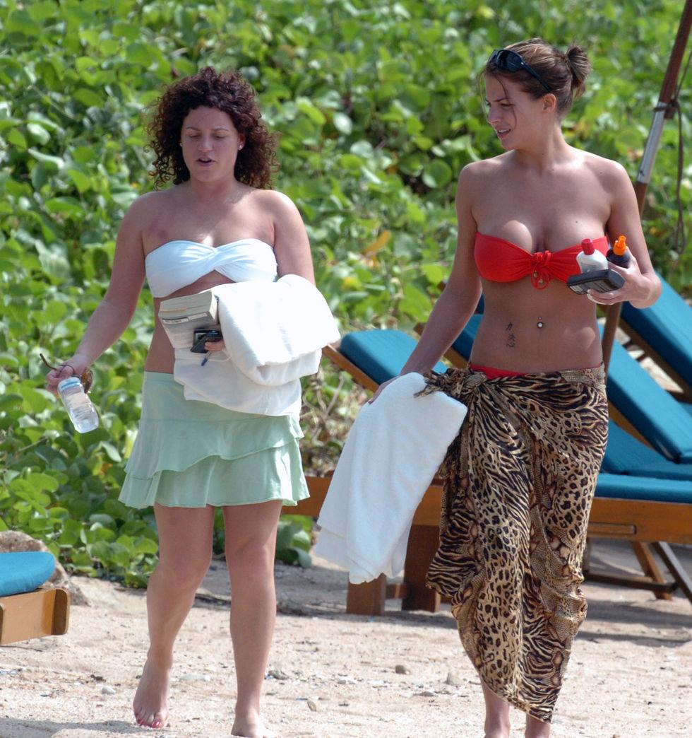 gemma-atkinson-bikini-candids-at-the-beach-in-cuba-01