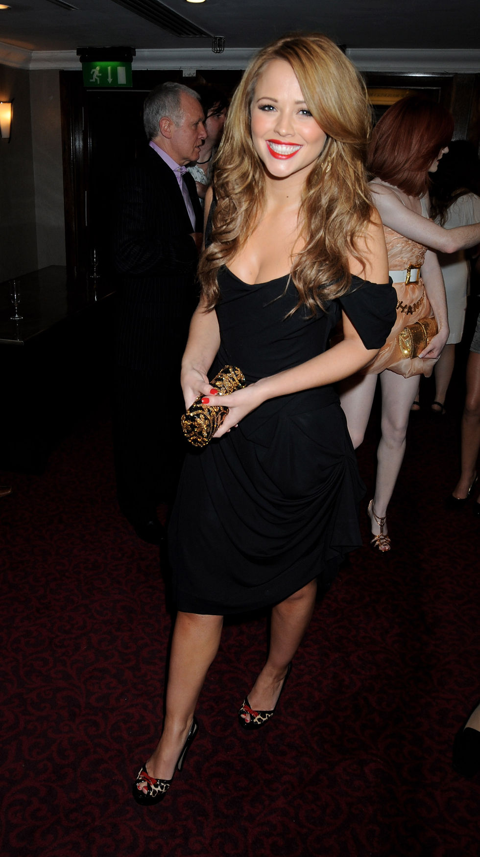 girls-aloud-music-industry-trusts-awards-2008-in-london-01