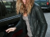gisele-bundchen-candids-at-lax-airport-in-los-angeles-03