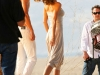 gisele-bundchen-photoshoot-candids-on-the-beach-in-santa-monica-2-05