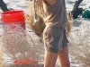 gisele-bundchen-photoshoot-candids-on-the-beach-in-santa-monica-2-06