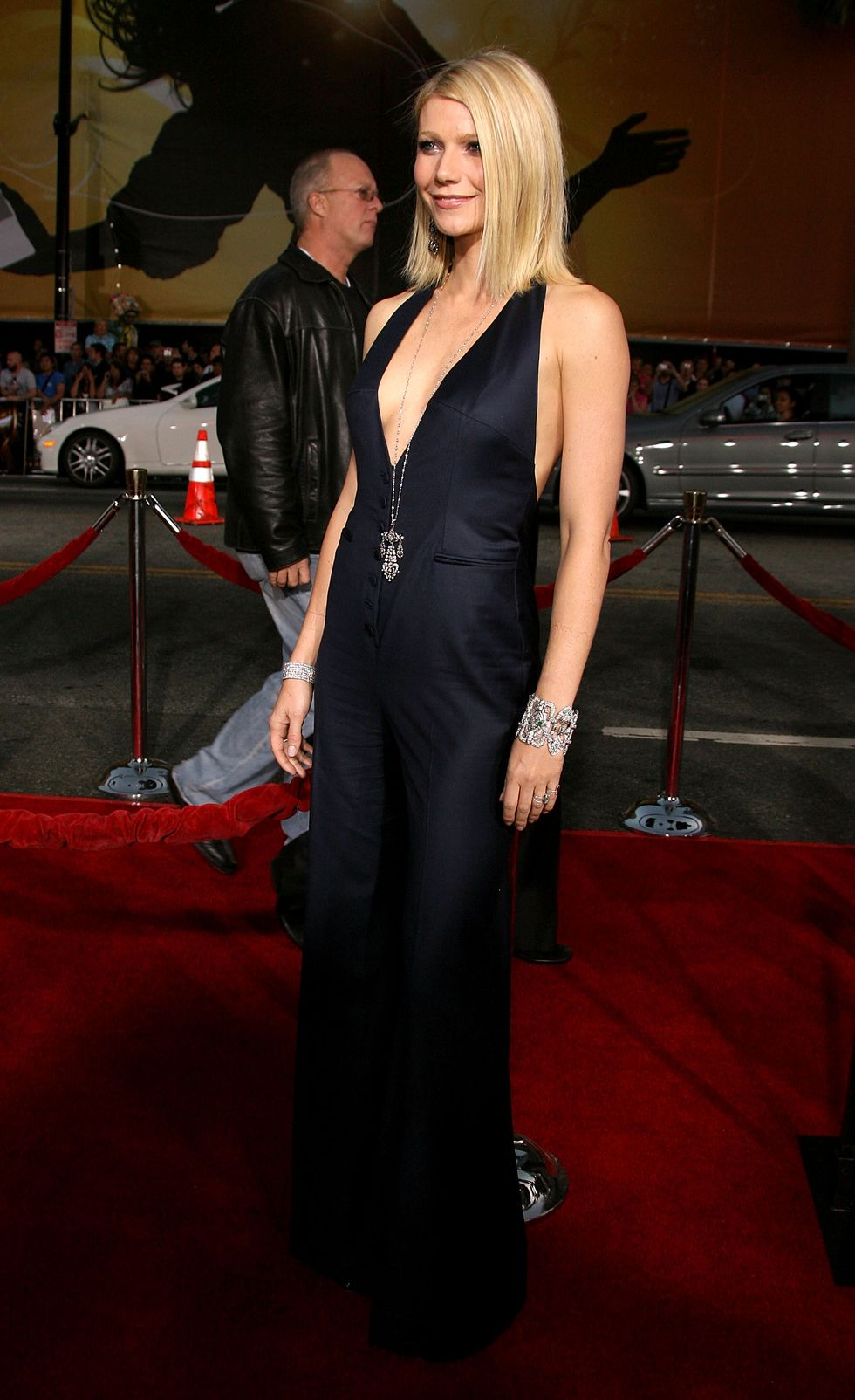 gwyneth-paltrow-iron-man-premiere-in-hollywood-01