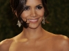 halle-berry-2009-vanity-fair-oscar-party-15